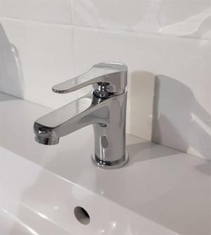 Rubinetto miscelatore bagno lavabo con piletta di scarico, cromo, Eco eco M&Z