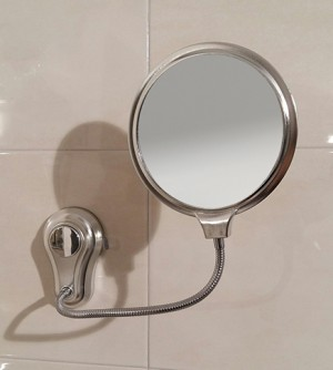 Specchio a muro ingranditore e non, a ventosa flessibile, orientabile in ABS D15